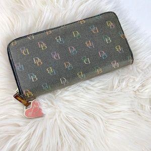 Dooney & Bourke zip around clutch wallet multi